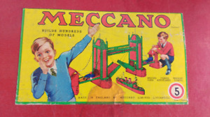 2 SEPARATE BOXES OF VINTAGE 1974 MECCANO PARTS. INCLUDES MANUALS