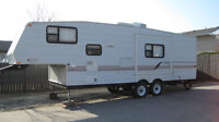 2001 Jayco Quest 26 1/2 ft Fifth Wheel