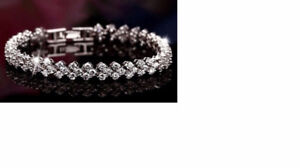Beautiful Crystal tennis bracelet-new