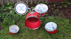 Ideal drum set for first timers.