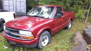1999 chevy s10 5 speed 4 cylinder  Kawartha Lakes Peterborough Area image 1