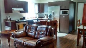 LOGEMENT À LOUER / appartement style condo