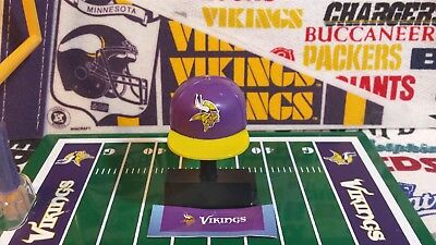 - NFL Mad Lids Series 1 Minnesota Vikings mini cap/display stand/sticker sheet set