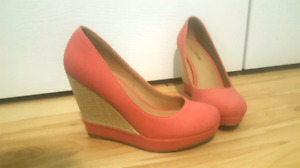 Size 7 coral wedges