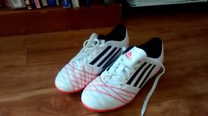 size 4 girls addidas soccer shoes