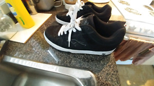 Skate board shoes airspeed like new