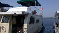 FOR SALE – 40 FT SUNDANCE HOUSEBOAT WITH MANY RENOVATIONS