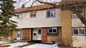 Value Priced Town Home in St Albert