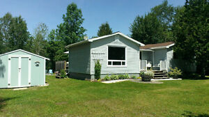 Tobermory/Lion's Head-Miller Lake Cottage perfect for familes