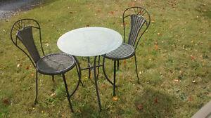ensemble de 2 chaises et table bistro
