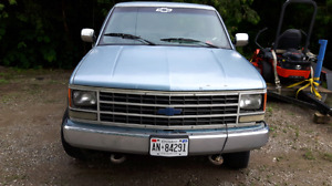 1991 Chevrolet 2500 regular cab long box 4x4 low kms