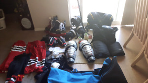 Midget hockey equipment size youth med to adult sm