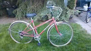 Ladies Vintage Velo 6sp-fenders, QUALITY bike, great shape, exce