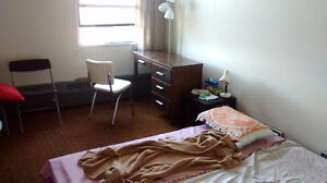Apartment bedroom,5min walk to Campus,free laundry,350 for Oct