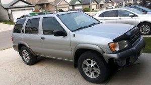Selling 2001 Nissan Pathfinder 409,000 km