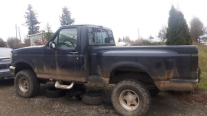 1994 ford f150 stepside 4X4 trade or sell