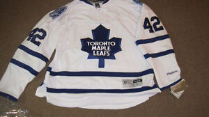 Autographed - Tyler Bozak Toronto Maple Leaf Jersey - Large