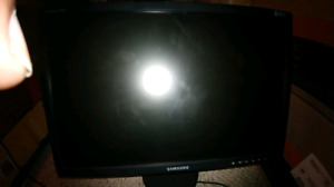 Samsung monitor please look at the pics
