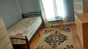 $460/$500 Clean rooms nearby BramptonCityCenter, Parking is full