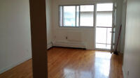 Lachine 2 bedroom Heat Hotwater fridge and Stove Included