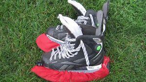 Équipement de hockey junior