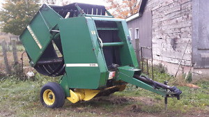 JD 330 4x4 hard core baler