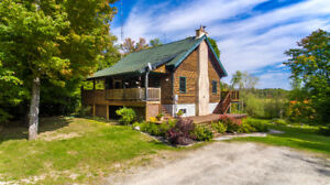 Gorgeous Country Home For Sale in Huntsville | Muskoka