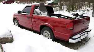 1999 s10 5 speed 4 cyl PARTS TRUCK