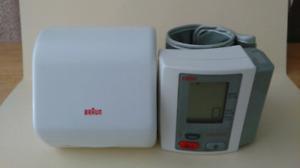 BRAUN 6052 Wrist Blood Pressure Monitor