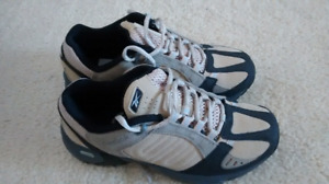 New hiking shoes 6.5