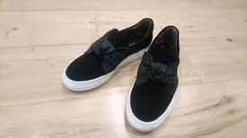 Size 6,5 Black suede casual shoes by Paul Green