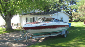 four winns bowrider with 130hp outboard
