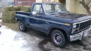 1980 Ford F-150 Step side / short box Pickup Truck