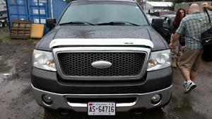 Ford lariat 4x4   4 door loaded