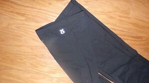 Couple pairs of lulu lemon pants  Kawartha Lakes Peterborough Area image 5
