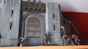 Lord of the rings Helms deep set