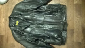 Danier Sport leather jacket sz medium