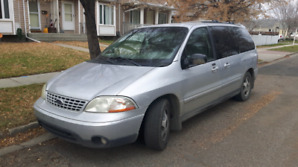 Price reduced **low km** 2002 Ford windstar sport