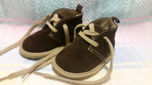 Koala Baby Brown Suede Desert Boots Size 3 Like New