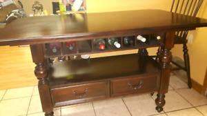 Dinner room or kitchen  with 4chers  belt in bar