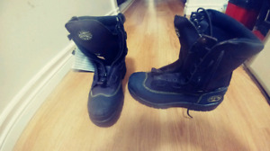 brand new OLiver boots worth over 250 csa.