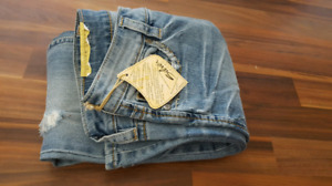 BRAND NEW Silver Jeans Lola Flare