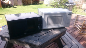 Microwave ovens. Make an offer! 667-6336