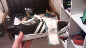 Women's adidas  golf shoes brand new Asking 25 ollars