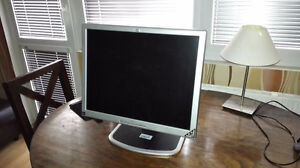 "For Sale - HP L2035 - 20"" monitor"