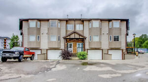 TUCKED AWAY TOWNHOUSE IN CASTLEBROOK!