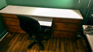 Classic Oak Desk With Chair