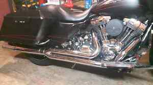 Vance & Hines  2 into 1 harley touring exhaust