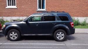 2009 Ford Escape XLT V6 AWD SUV, Nouveau prix 4 900$ Négociable
