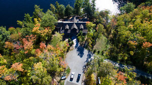 Spectacular Waterfront Retreat  $2,450,888 (10G)